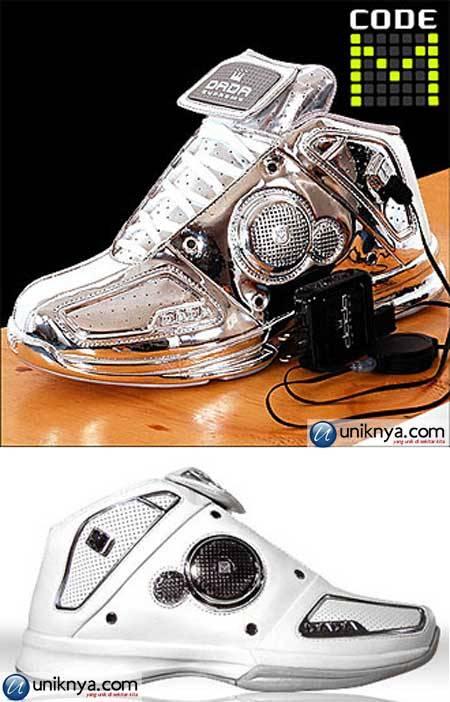 Sepatu atau Mp3..?? Jawabannya adalah Mp3,, ini inovasi terbaru dari mr dan wav..