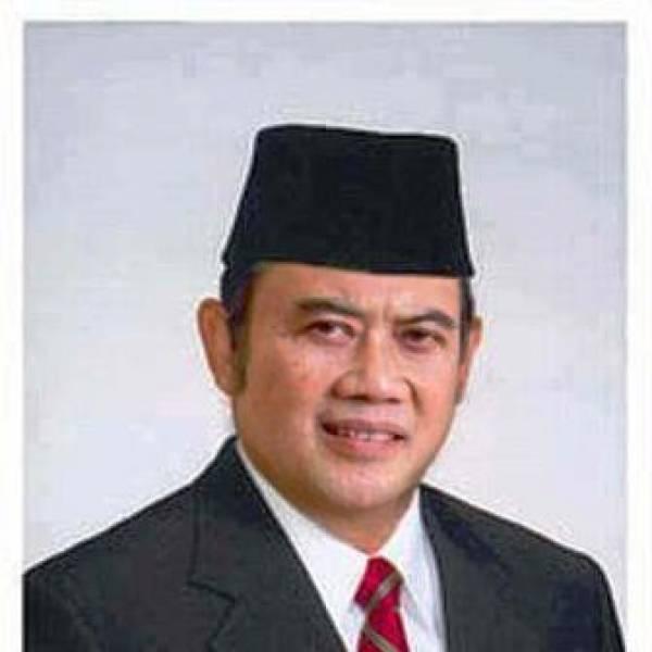 Ini muka rhoma irama yang akan mencalon kan presiden 2014 .. :D lucu ea !