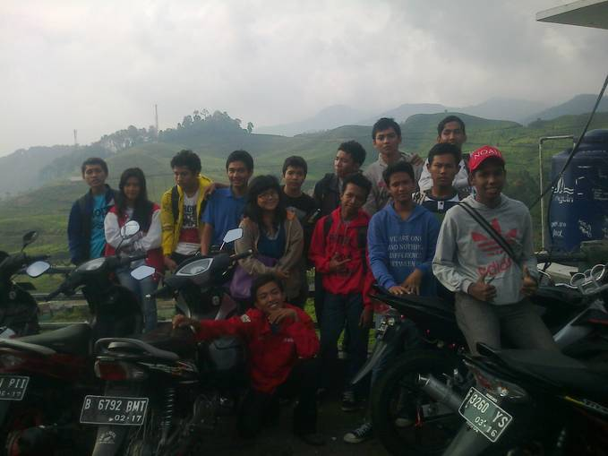 tour in puncak with chaptoen and pandawa