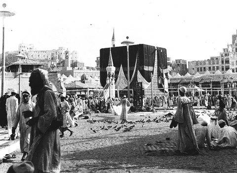 Allahu Akbar! Check out this beautiful picture from Makkah (Mecca) taken in 1954, mashaAllah!