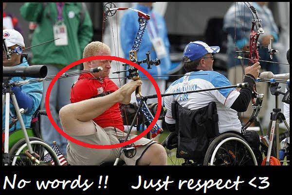 No hands ! But still has the SPORTS MAN spirit ! Who else respect him ?