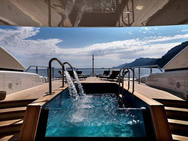 Wow ! if you want yatch with a pool ;)