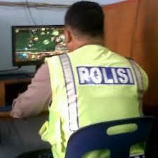 Polisi juga main Dota lho !!!!