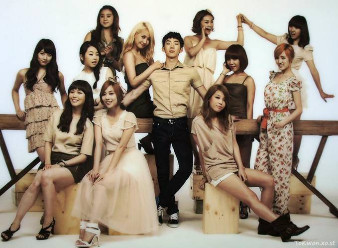jo kwon with JYP girls minta WOW nya dong :D
