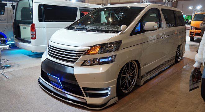 Ini dia salah satu mobil Dari Kontes Mobil yang diselenggarakan di JATIM EXPO Surabaya Kemarin , pasti WOW banget punya mobil kaya gini . ! :)