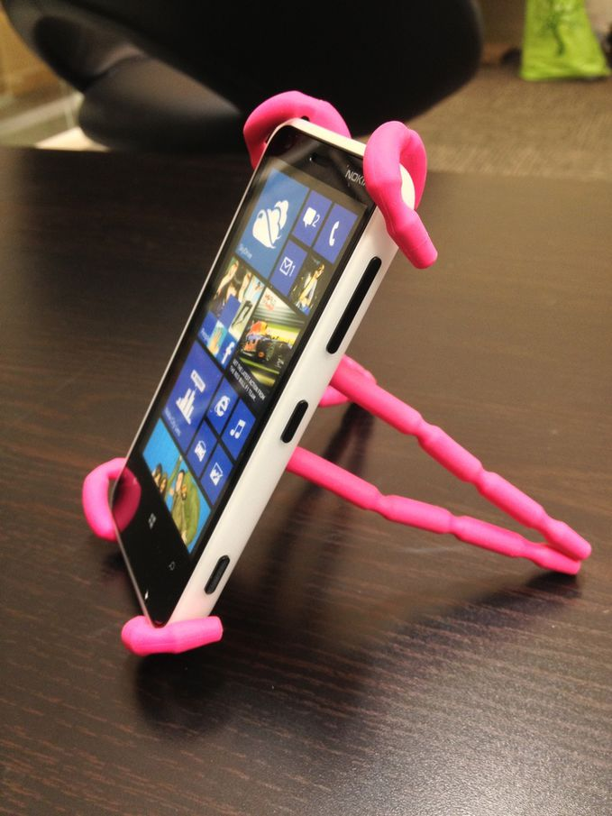 Spiderpodium Pink being used with the Nokia Lumia Z10.