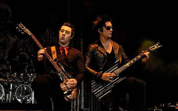 Duet Synyster Gates dengan Zacky Vengeance