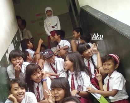 SDN JEMBER LOR 1 kls 6b ,, my friends pictures 4 years ago...