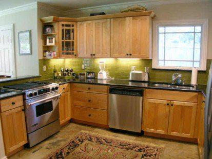 How To Decorate Your Kitchen With Glass Tiles