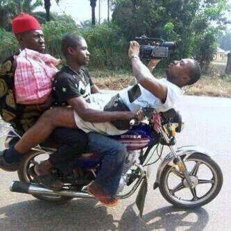 Behind scene shooting ala moto GP :D
