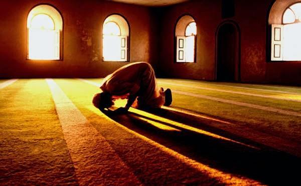10 Jenis Sholat yang Tidak Diterima Allah