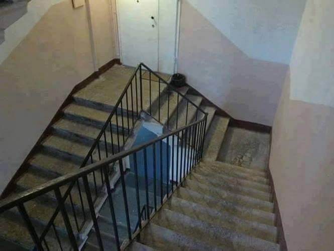 Hayo tebak..ini sebenarnya tangga untuk naik atau turun??