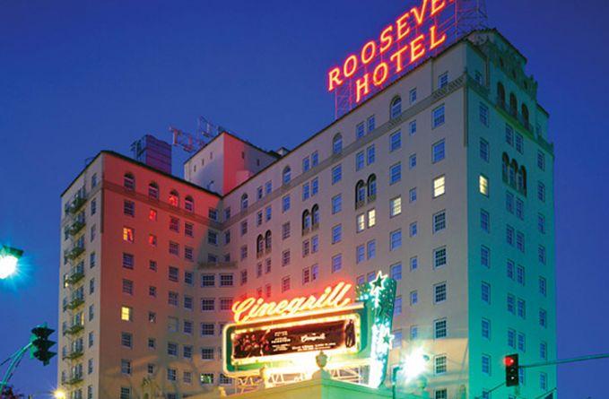 Dan di California ada Roosevelt Hotel yang banyak hantunya. Sosok yang menghantui pengunjung disana bukan cuma hantu-hantu biasa saja. Tapi juga ada sosok arwah selebritis terkenal Marilyn Monroe dan Montgomery Clift.