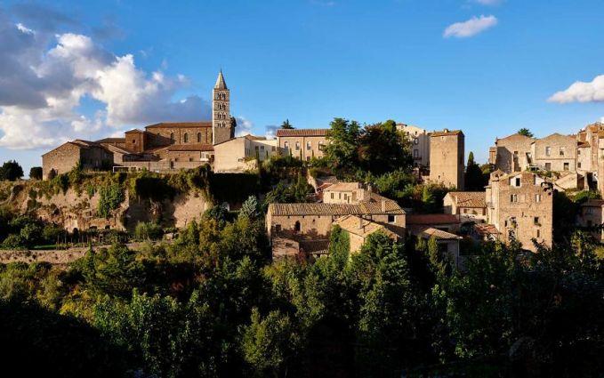 Pembagian kastil ini bukannya untuk tidak menghormati sejarah pulsker. Maksud dan tujuannya adalah untuk meningkatkan minat wisata di Italia. Terutama di daerah-daerah yang saat ini masih kurang optimal sektor wisatanya. Setidaknya itulah yang dikatakan Roberto Reggi dari State Property Agency.