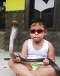 9 Tingkah Anak Kecil Bernyali Baja Ini Bikin Gregetan