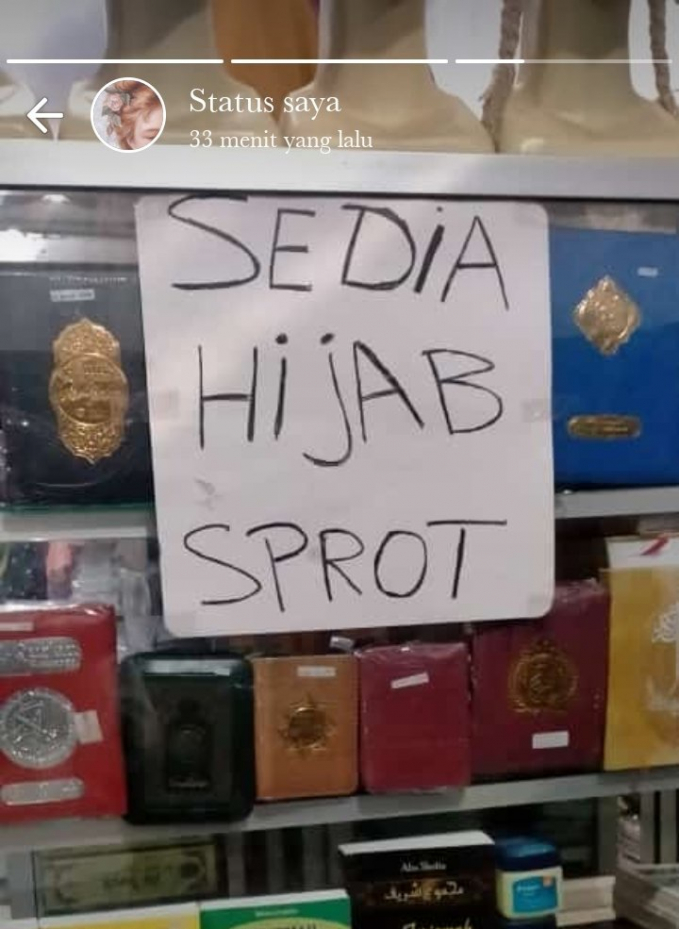 Hijab sport kali ah, pengen banget ganti tulisannya.
